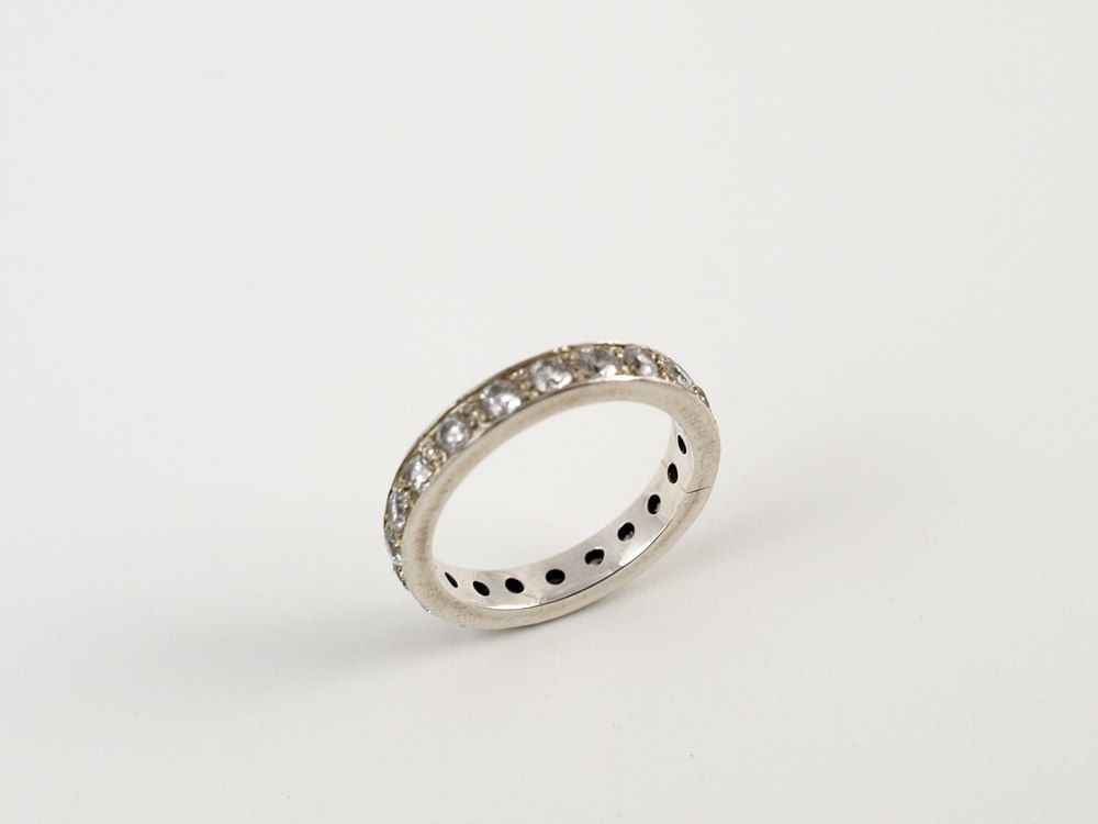 pave set ring