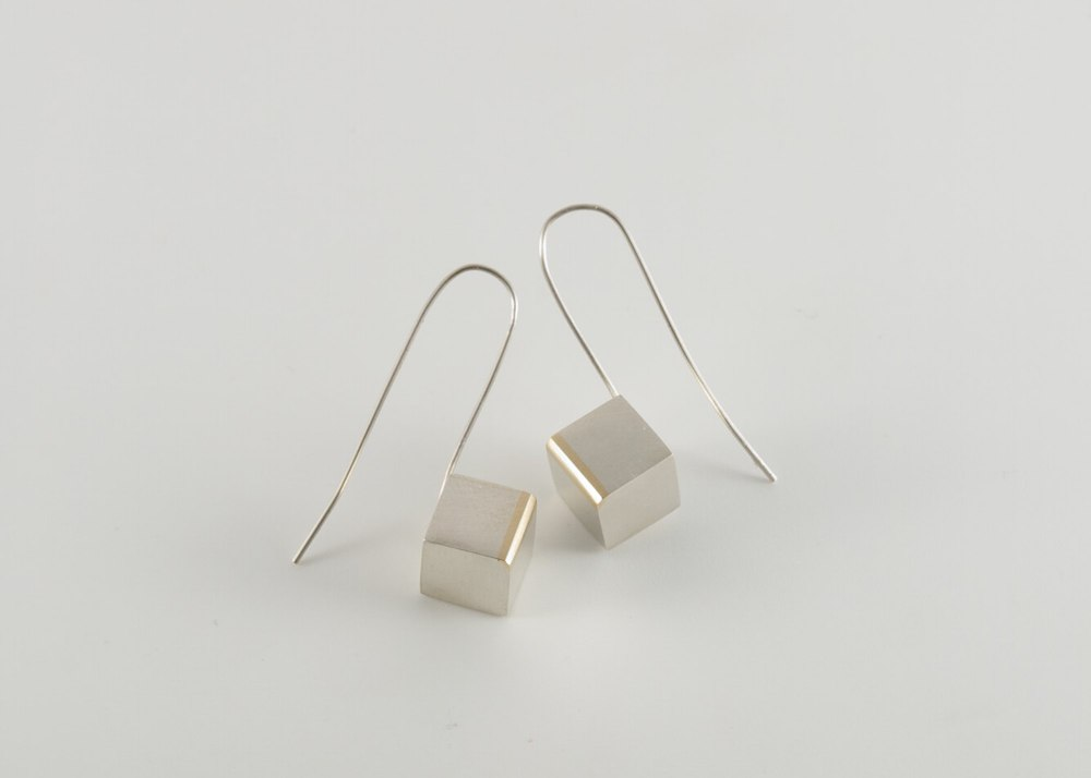 Highlight Cube earring