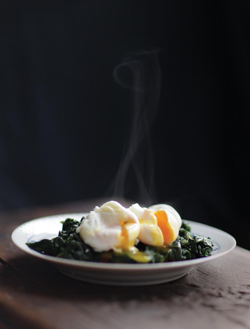 Pocherede æg spinat.jpg