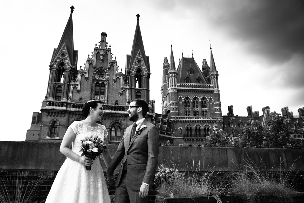 vintage wedding, classic London wedding, St. Pancras Hotel, London photographer