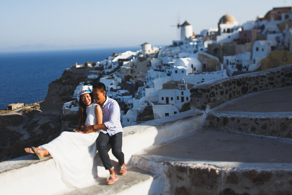 Honeymoon photoshoot, Greece, Oia, stunning photography, destination photography, engagement