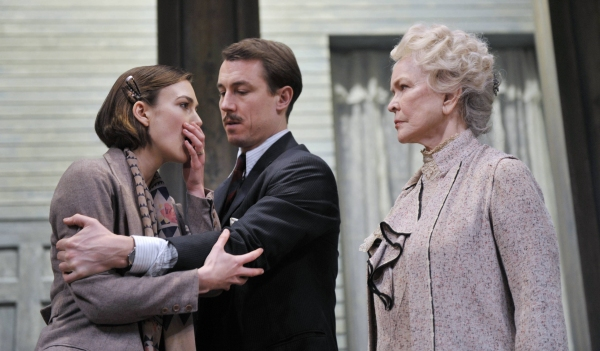 Keira Knightley can't believe she's in a play with Ellen Burstyn!