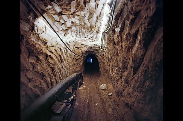 gaza_tunnels_01.jpg