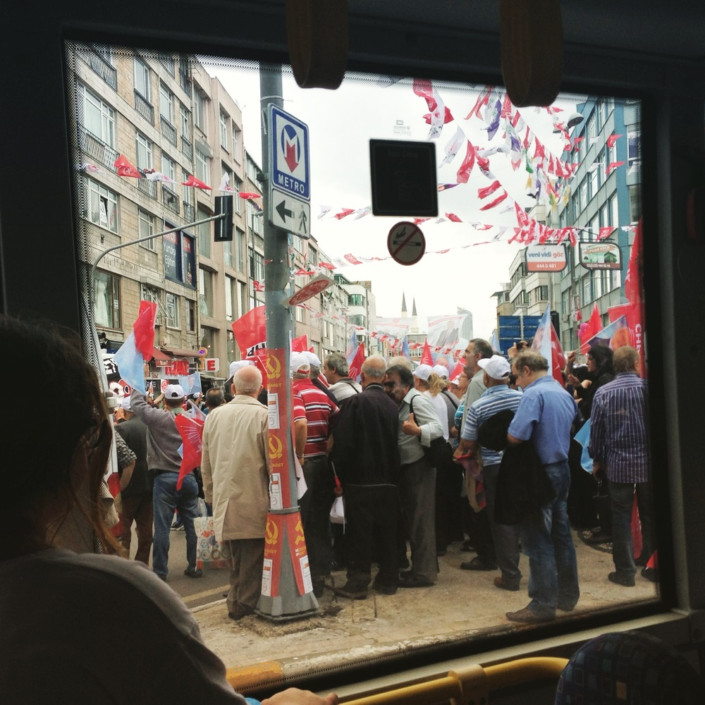 CHP supporters rally in Istanbul's Kadikoy district. Photo: Monica Ma, 2015