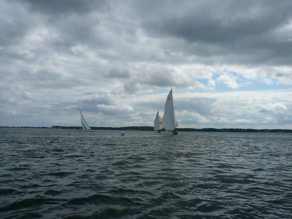 12's on the downwind leg.