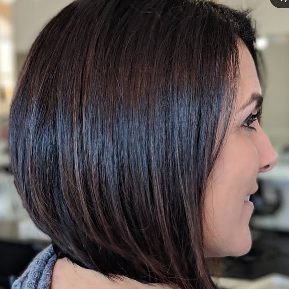 Chop chop! Check out the new do for this pretty lady! Are you ready for a new look? Call 440-333-5056 for an appointment today! . . #tomorrowssalon #haircut #newhair #brunette #bob #lob