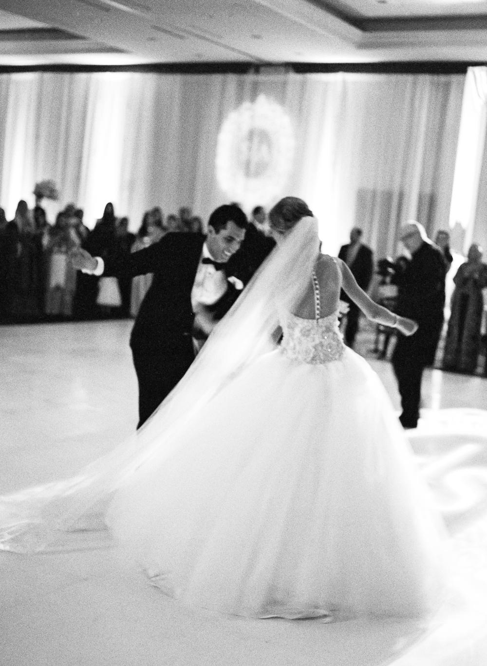 Sarah-Abed-La-Cantera-Wedding-000053760005.jpg