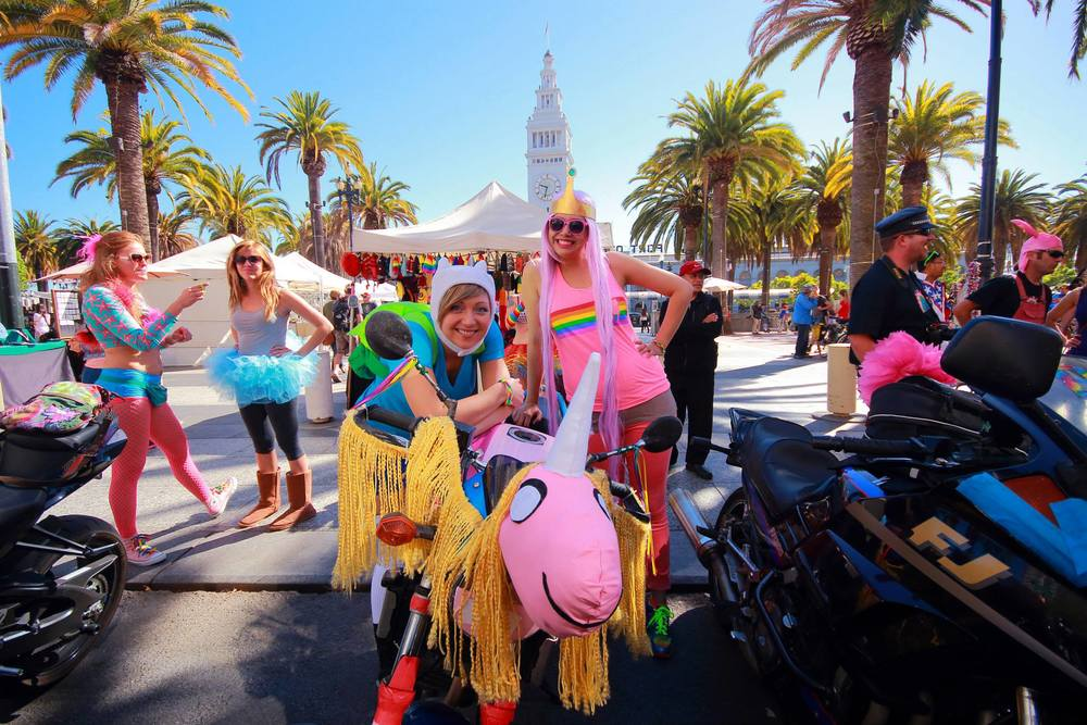 Beautiful day to celebrate happy people! And like everything in SF, it's better with a costume. ^_^