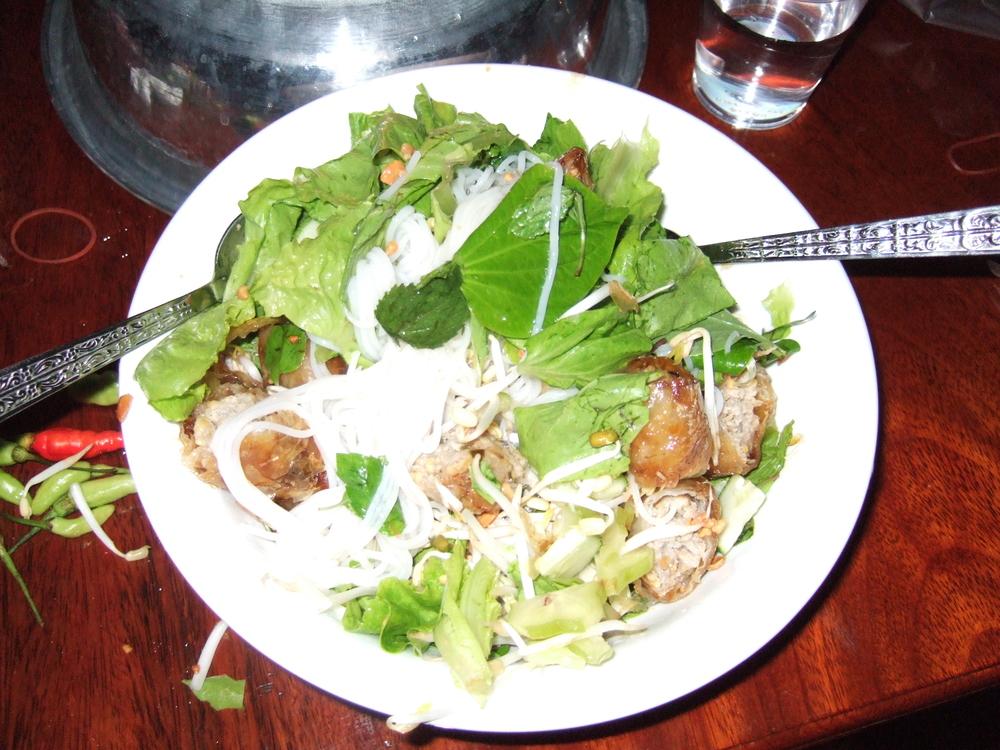 Vietnamese spring roll noodle - assembled.JPG
