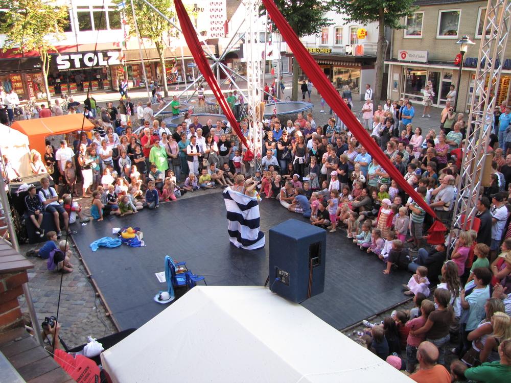 aerial comedy show
