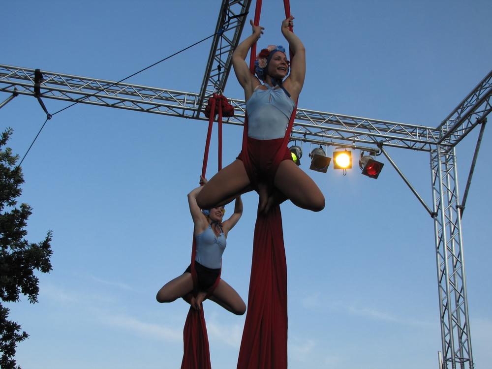aerial silk summer show
