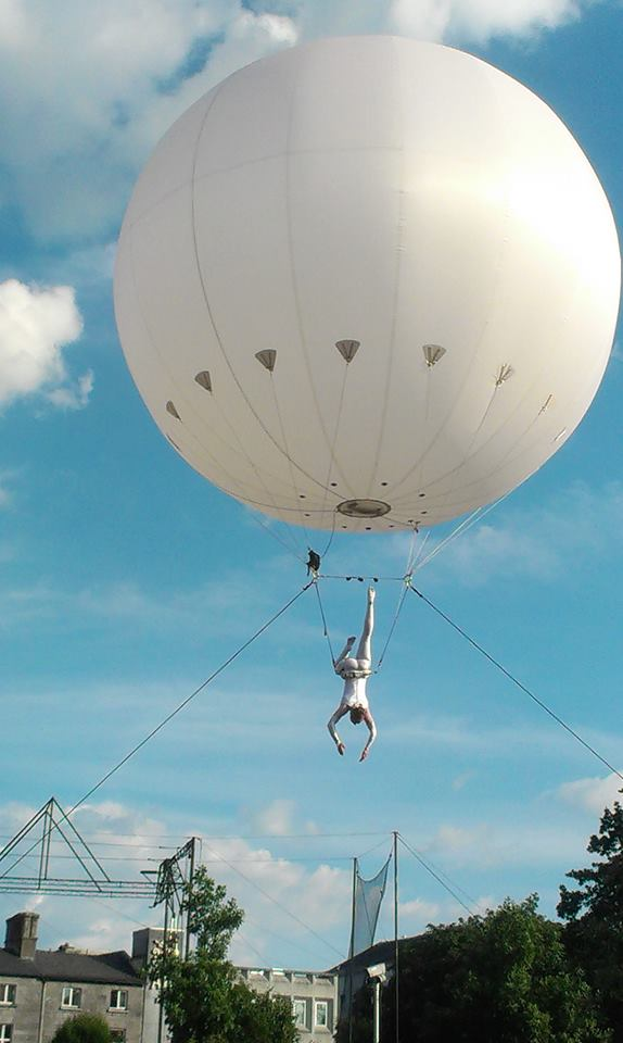 Aerial performance Lilli Mühleisen