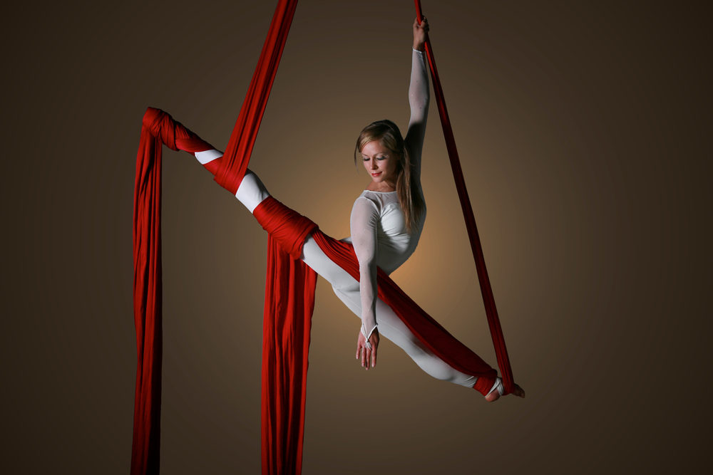 Lilli Silks Splits.jpg
