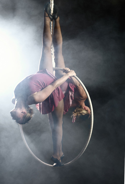 Aerial Hoop Duo, Lilli 01.jpg