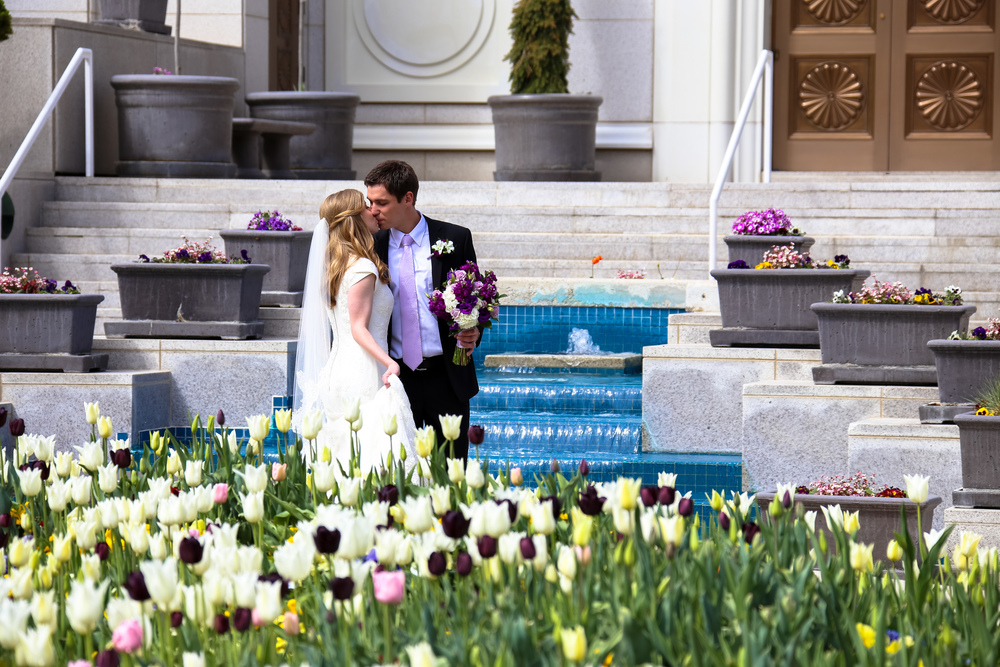 Bountiful LDS Temple wedding photography in the Spring