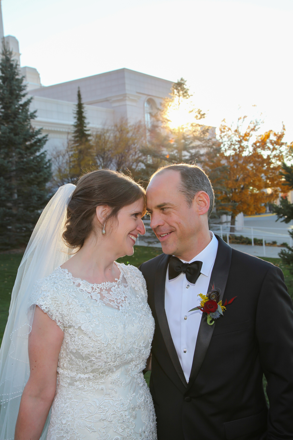 Bountiful wedding photography at the Bountiful LDS Temple