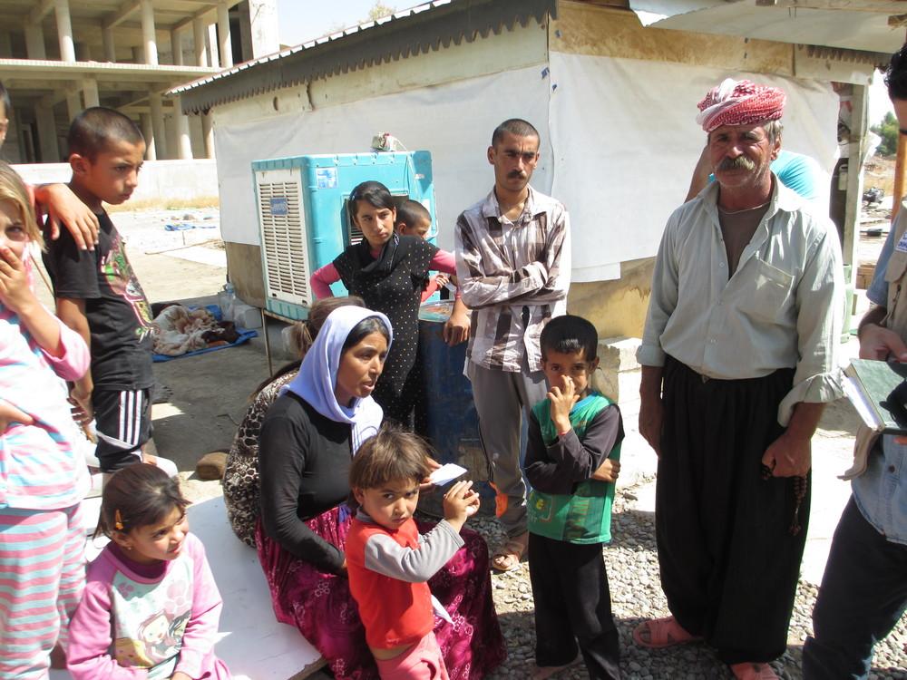 Sinjar IDP family.JPG