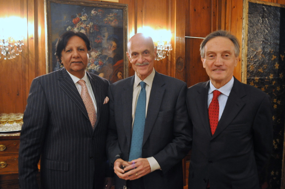 Ambassador-at-large of Pakistan Rafat Mahmood, former Secretary of Homeland Security Michael Chertoff, and Ambassador Italy Claudio Bisogniero.