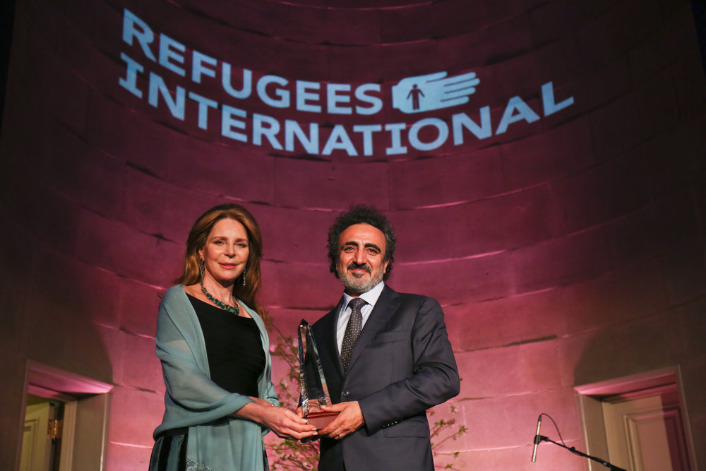 Queen Noor al-Hussein of Jordan presents the 2018 McCall-Pierpaoli Humanitarian Award to Chobani Founder Hamdi Ulukaya