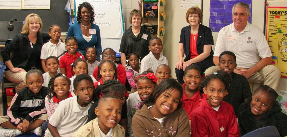 Lisa Word, Nancy Walls, Joyce Davis, Sue Ann Boehme and Steve Maury with Ms. Martin's 3rd grade class.