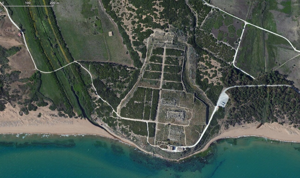 Satellite view of the Selinunte Archeological site. You see the two main temples, the Agora, the city settlement and fortification.