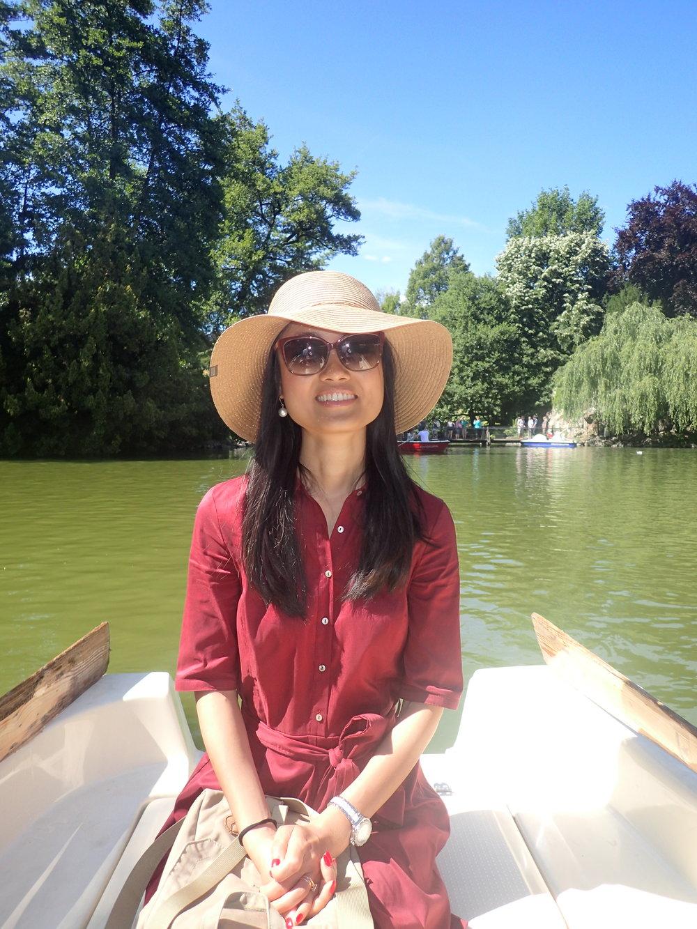 Feibai on a row on the small lake in Palmengarten Frankfurt