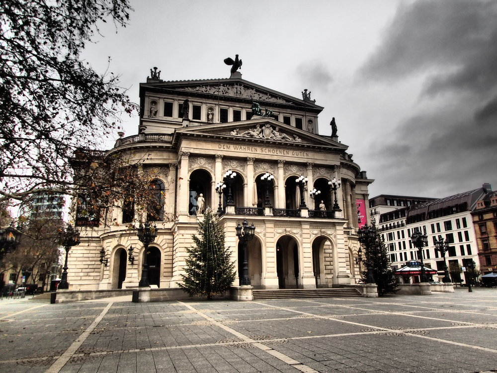 Alte Oper (Old Opera) in Frankfurt. Nobody around.
