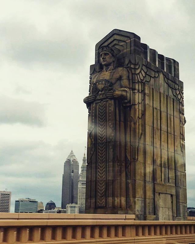 Cleveland rocks shaped like people... • • • #cleveland #cle #clevelandohio #ohio #oh #bridge #deco #sculpture #hopememorialbridge #hope