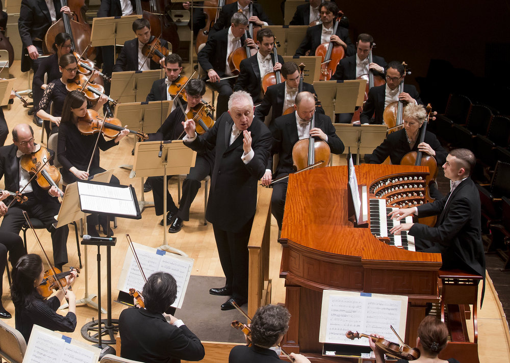 Bramwell Tovey conducts the Boston Symphony Orchestra with organ soloist Cameron Carpenter, Thursday, Jan. 12, 2017, at Symphony Hall. Winslow Townson photograph.