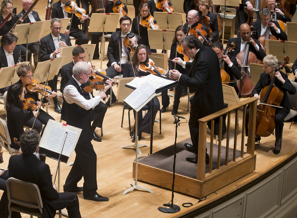 Gidon Kremer plays Mieczyslaw Weinberg's violin concerto with the Boston Symphony Orchestra, Juanjo Mena conducting, Jan. 19, 2017. Winslow Townson photograph.