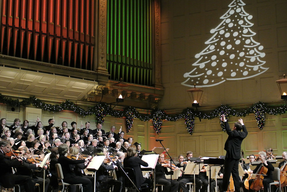 Keith Lockhart conducts the Boston Pops at Symphony Hall. Stu Rosner photograph