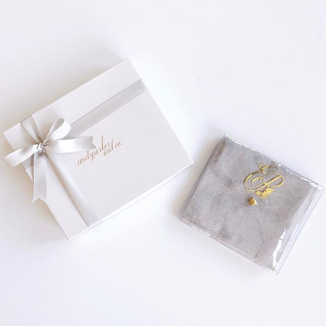 In case you missed it!!! You all asked and we are so happy to give it you!! Our Classic Wrap now comes with a plastic clutch to keep it safe in your bag 💖 If you have ordered a Classic Wrap in the past and would like us to send you a complimentary plastic clutch, please send us a message or email us at concierge@emilyparker.co ! Happy weekend 🥂