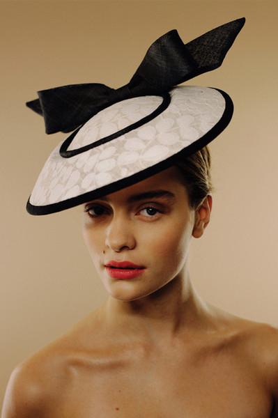 04a-awon-golding-millinery-london-colori_gelato-loren-colori-gelato-hat_grande.jpg