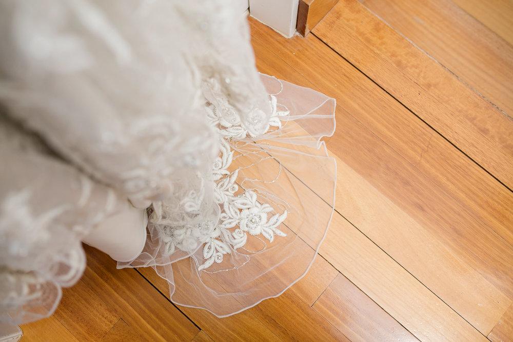 Martinborough-Poppies-Wedding-Caine-Eloise-Toni-Larsen-0006.jpg