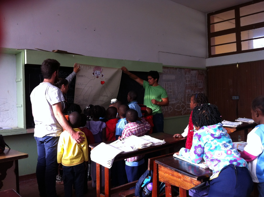 Aula sobre Cuidados Básicos de Higiene na Katembe