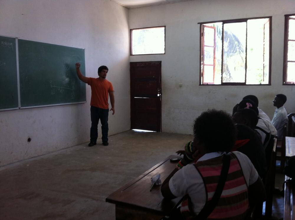 Aula sobre Educação Sexual na Escola Comercial da Katembe
