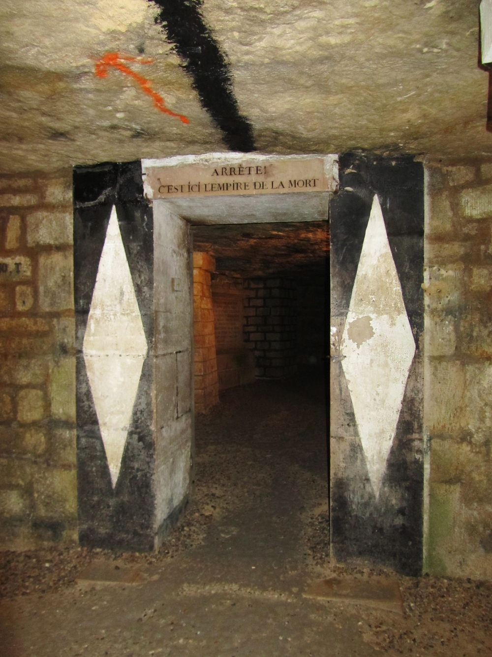 underground paris catacombs doorway.JPG