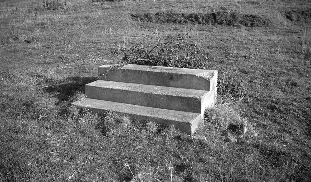 Paul Nash, Steps in a field near Swanage 1935
