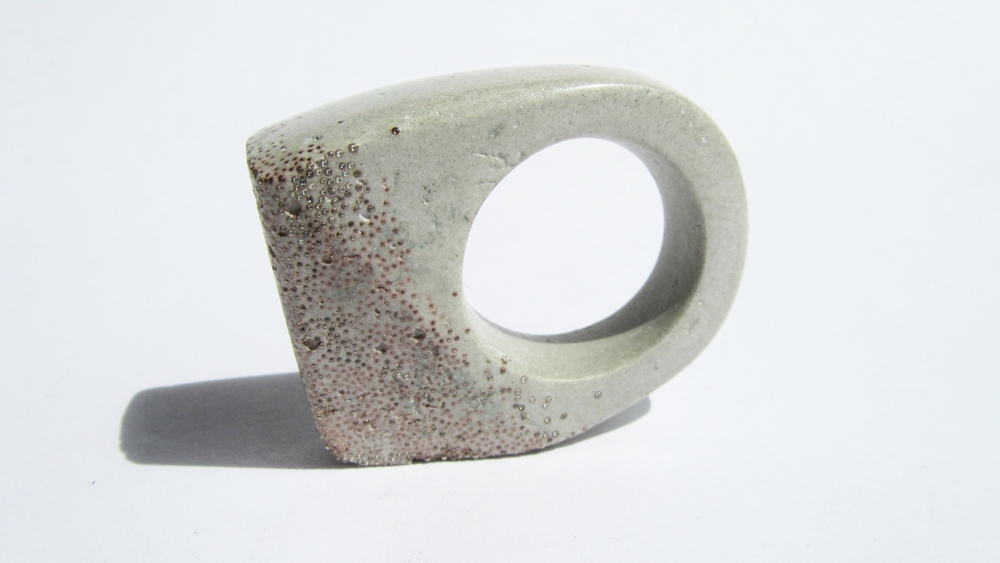 jade mellor hewn ring dove grey copper caviar O-P 3.JPG