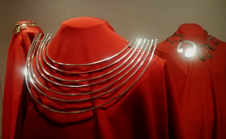 Silver necklace by Alexander Calder at Louisa Guinness Gallery