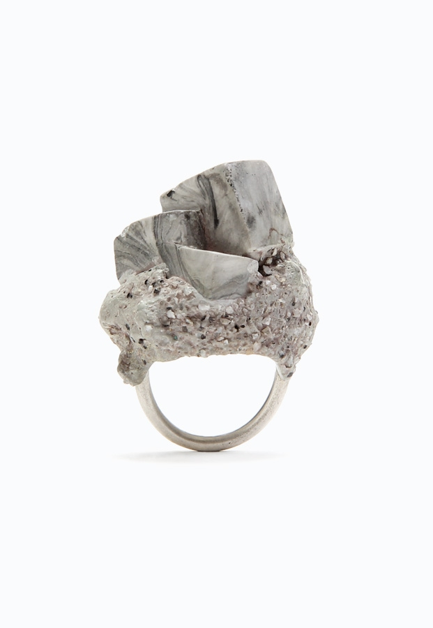 PAOLOZZI - Jade Mellor, Concrete Objective, Ring, Resin, silver, granite.
