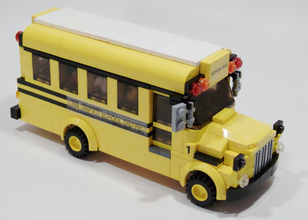 bloggy_lego-bus_bill-ward_2858932924_c96439c3b7_b