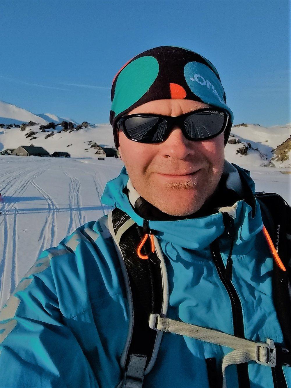 hiking on snæfellsjökull.jpg