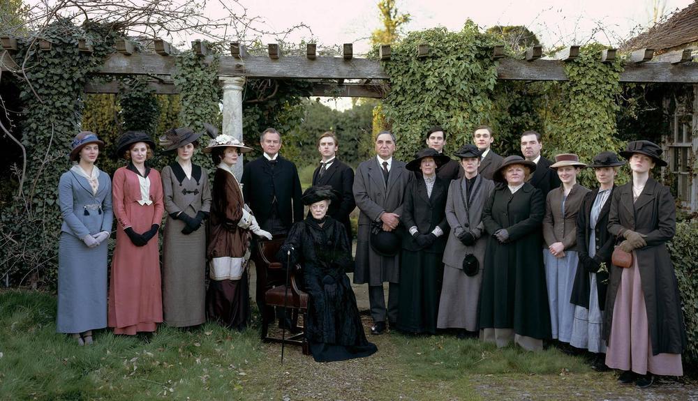 downton-abbey-period-films-15626885-1896-1090.jpg