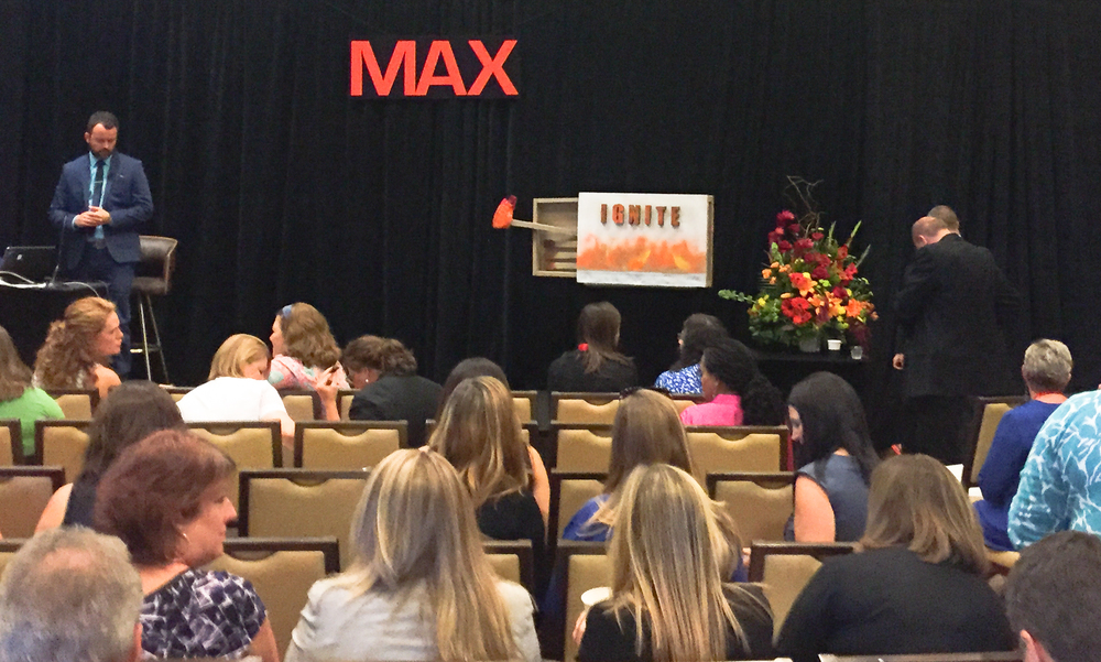 MAX-1118.jpg