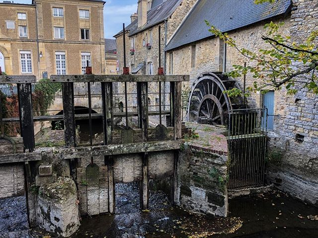 As the only town to escape Allied bombing prior to D-Day, Bayeux has preserved a sense of history everywhere you look. #iphonephotography #iphonex #iphonexphotography #France #normandy #bayeux