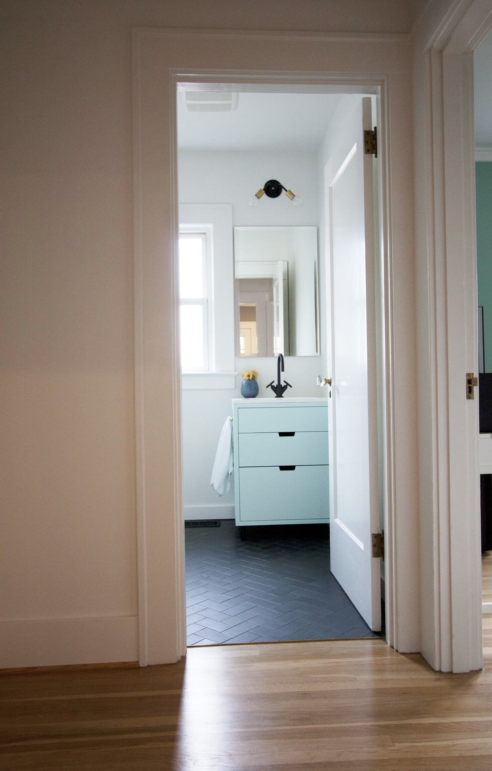 mint and gray bungalow bathroom