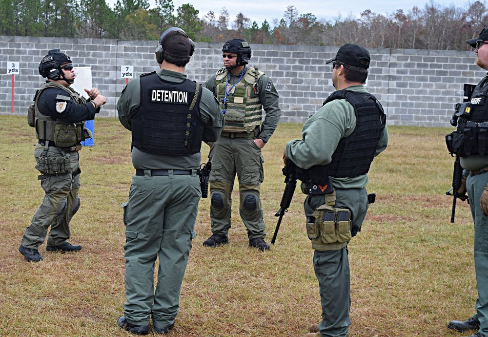 Operators from various departments from South Carolina and Santa Rosa County Sheriff Office FL attend a High Risk, Profile, Value Inmate Transportation Course. TOG-US Instructors are used to leading from the front by experience.