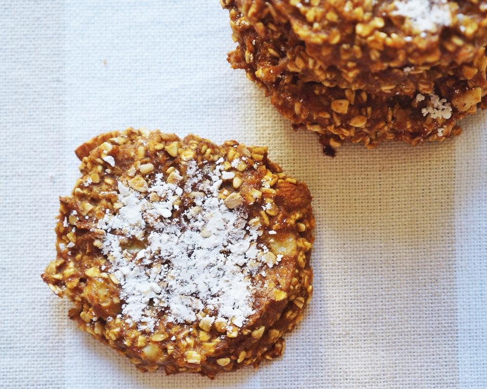 pumpkin oat cookies via sarahdigrazia.com