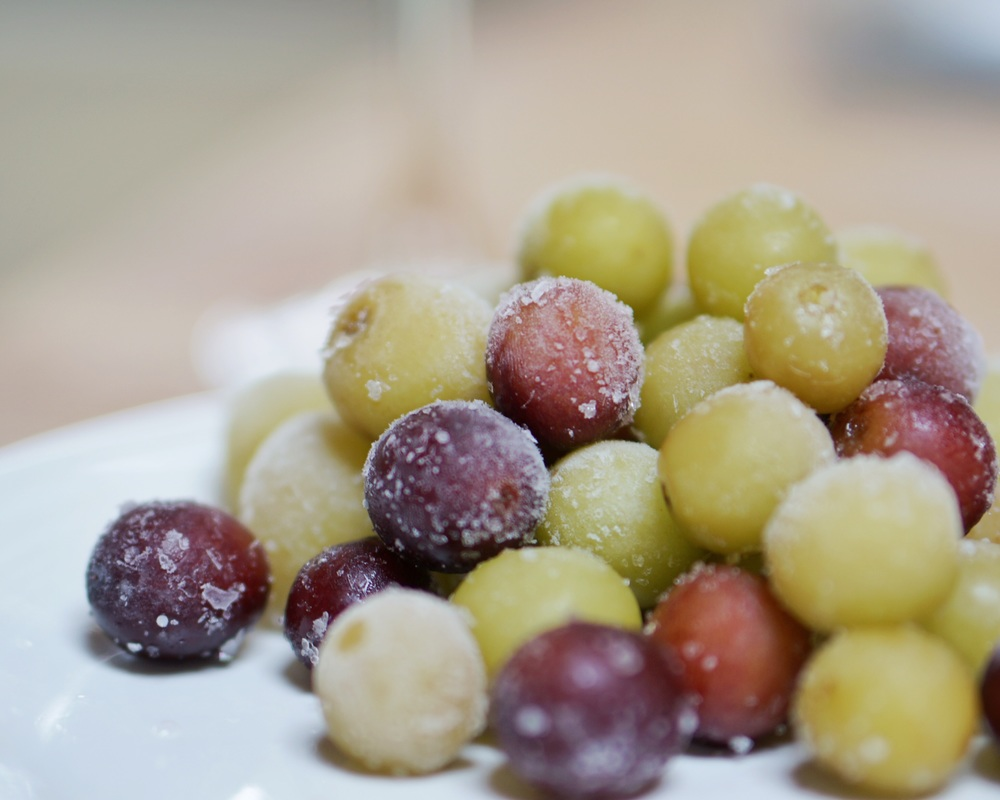 frozen grapes - a healthy, simple treat